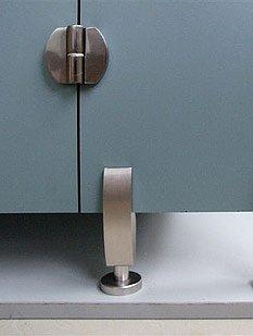 Благодаря продуманной конструкции крепления пластиковые сантехнические перегородки отличает надежность...